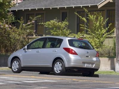 Каркасные шторки на Nissan Versa С11 (5-дв., с 2007 по 2009)