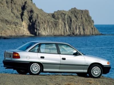 Каркасные шторки на Opel Vectra A (5-дв., с 1988 по 1995)